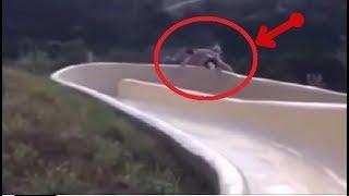 カメラがとらえたウォータースライダーで起きた事故20選