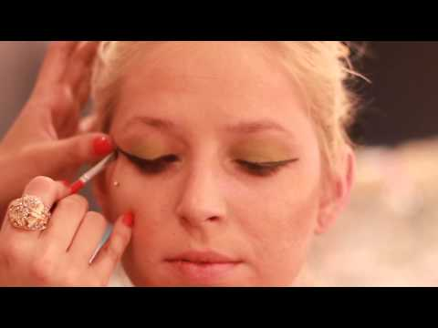 How to Do Makeup Like the Women of Ancient Rome : Makeup Techniques