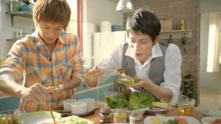NEW COMING CENTURY CM! 具だくさん「巻き肉」 March 2012 credits: eba...