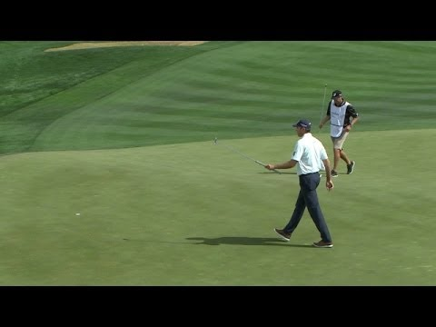 Matt Kuchar drains a 17-foot eagle putt at Accenture