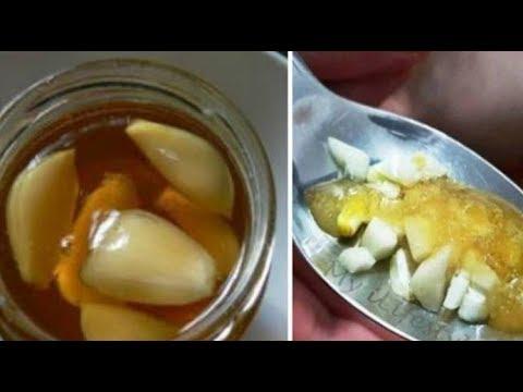 هل جربتم تناول العسل مع الثوم على الريق.. لن تصدق ماذا سيحصل لجسمك !