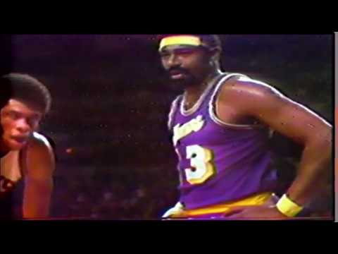 Wilt Chamberlain vs Kareem Abdul-Jabbar Duel 1972 WCF Game 3 footage