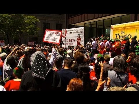 """In Chicago, Nurses Rally for """"Robin Hood"""" Tax"""