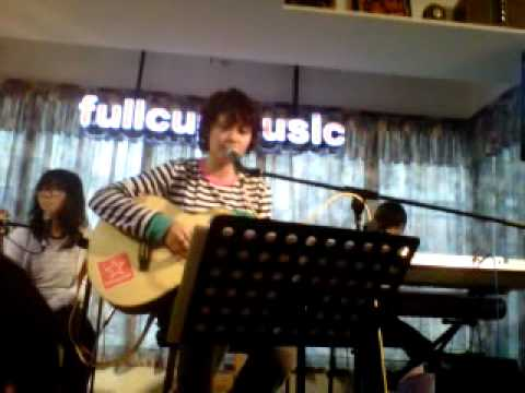 simple love song- Rubberband@Fullcup by addie kong 20111218.3GP