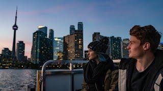 Wie sich Felix von der Laden und Kati Karenina in Toronto verlieben