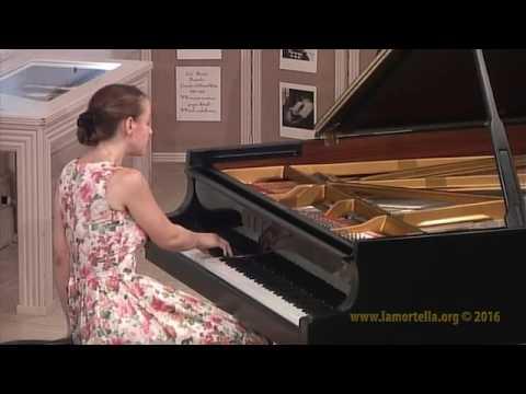 """Oxana Shevchenko esegue E. Granados da """"Goyescas"""": - El amor y la muerte"""
