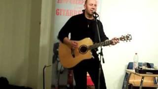 """Zepp Oberpichler singt """"Bea aus dem Rock n Roll Roman """"Gitarrenblut"""""""