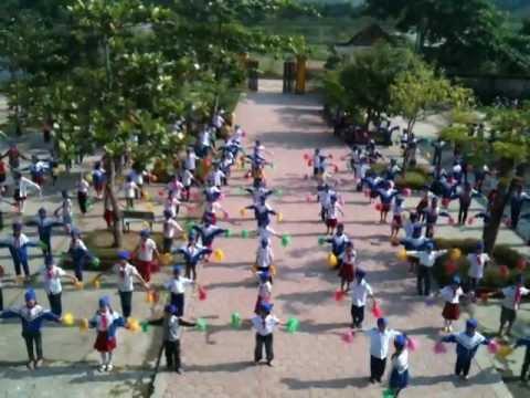 Múa sân trường năm học 2012 - 2013 trường Tiểu học Sơn Kim 2