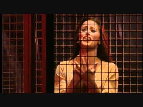 Клип Lola Ponce - Come Stai?