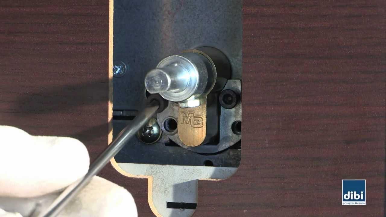 Montaggio key protector di bi porte blindate youtube - Come cambiare serratura porta interna ...
