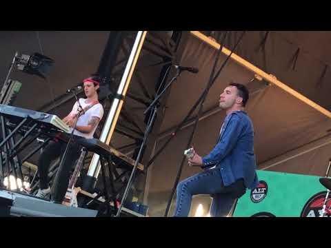 Bleachers- Rollercoaster LIVE @ Long Beach summer camp 98.7