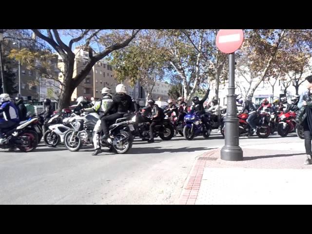 Concentración de motos en el puerto de santa maria