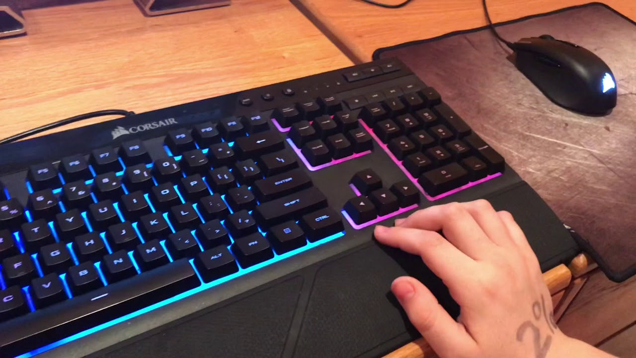 How to change color on a Corsair k55 RBG keyboard
