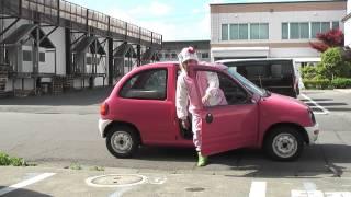 キティちゃんがピンクのキャロルに乗ってやってきた。それはそれはデブでいかついキティちゃんであった。\(^o^)/