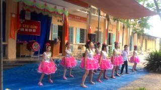 Múa Mùa thu ngày khai trường - TH Khai Thái