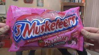 We Shorts - 3 Musketeers Strawberry Dark Chocolate
