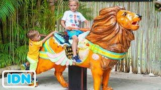 Vlad dan Nikita Kids Funny Playtime di Safari Park