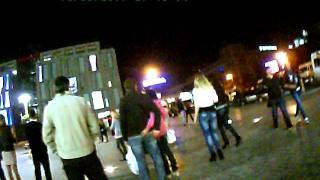 танцы в городе.г.Днепропетровск.ЦУМ.AVI