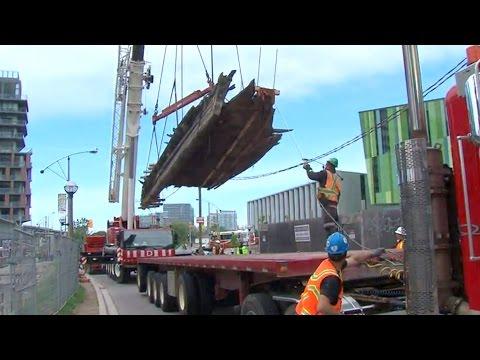 Delicate operation: Toronto crews remove ancient ship