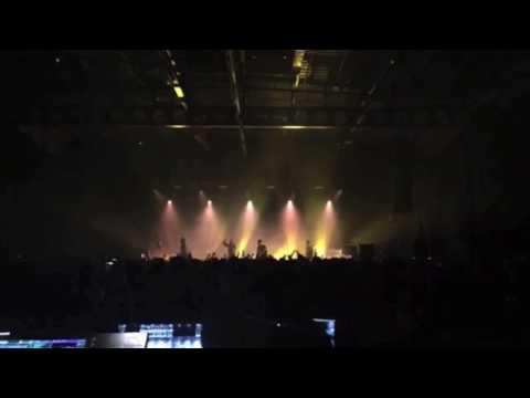 Momentz - Gorillaz (ft. De La Soul) [LIVE PERFORMANCE]