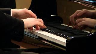 Play Sonata No. 7 In D Major, Op. 10 No. 3 Ii. Largo E Mesto