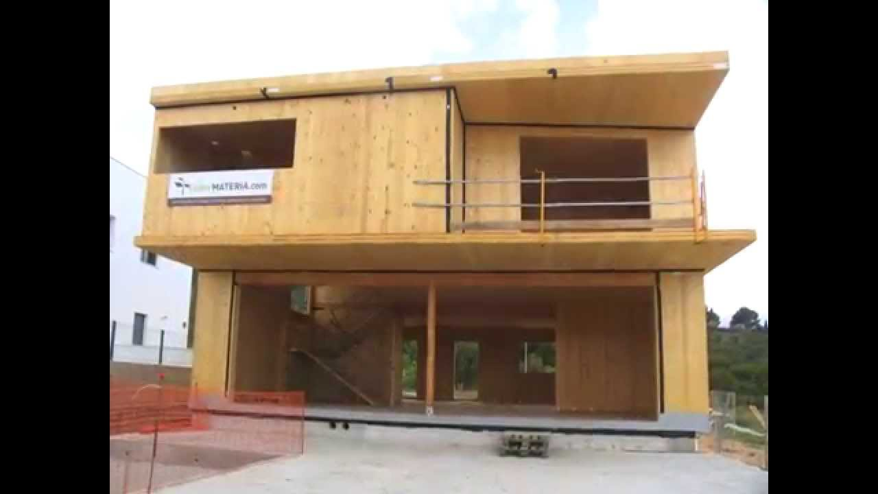 Montaje de estructura de madera contralaminada en palma de - Estructura de madera para piscina ...