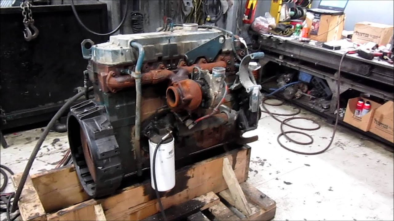 1999 International DT466E Diesel Engine Running 250HP - YouTube