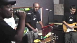 ZAMBA BEN (MINA DO CONDOMINIO )
