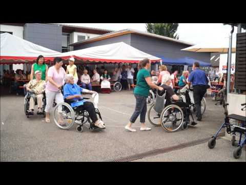 Crazy Dancers de la Bruche Duttlenheim - Linedance mit Rollstühlen