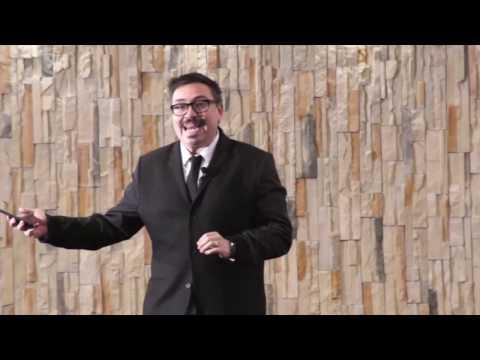 Creatividad en tiempos de la inmediatez | Carlos Cantú | TEDxTecdeMtySantaFe