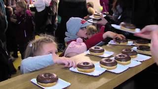 """Video: AK-Kindertheater - """"Einmal Weltraum und zurück!"""" mit Mai Cocopelli"""