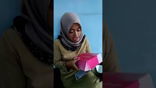 Unboxing Skin Care dari All Young Muslima