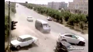 Repeat youtube video 2013: WORLDWIDE Worst Car Crashes Caught on video!!!