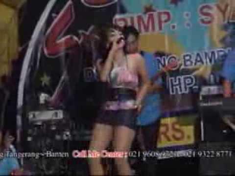 Sik Asyik - Panggung Dangdut SATRIA Vocal Fitri Cemok