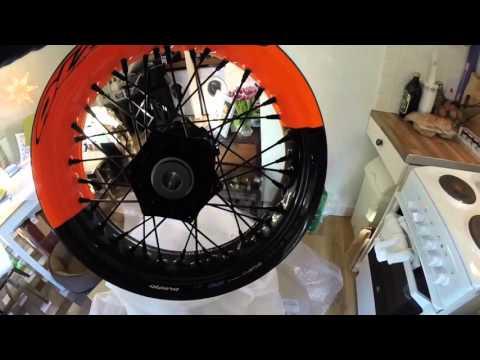 KTM 690 SMCR Alpina Carbon Fibre Matrix wheels unboxing