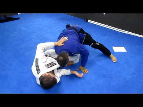 Jiu Jitsu No gi knee shield pass