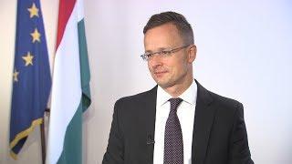 SophieCo. Правительство Венгрии занимает антимиграционную позицию — глава МИД