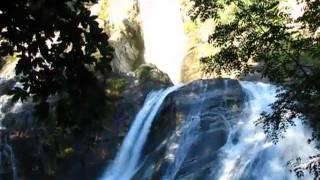 Bourg d'Oisans - Cascade de Sarenne - Au pied de la montée de l'Alpe d'Huez