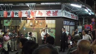 2014年5月18日の午後8時頃に撮影。三社祭の神輿渡御を見た帰りに、浅草...