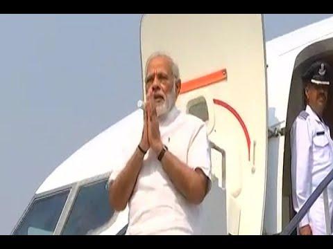 Prime Minister Narendra Modi reaches Patna, received warmly by Nitish Kumar