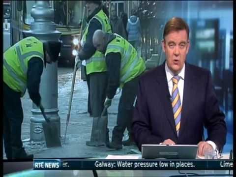 Man slips on ice in Dublin.. on RTE news!!!!!