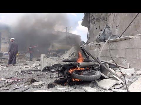 مقتل 11 مدنيا بينهم أم وأطفالها الستة بغارات جوية استهدفت محافظة إدلب شمال غرب سوريا  - نشر قبل 2 ساعة