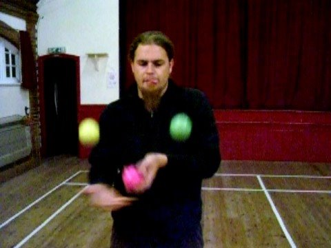 fun at Kent Circus School, 3 Ball Juggling Tricks