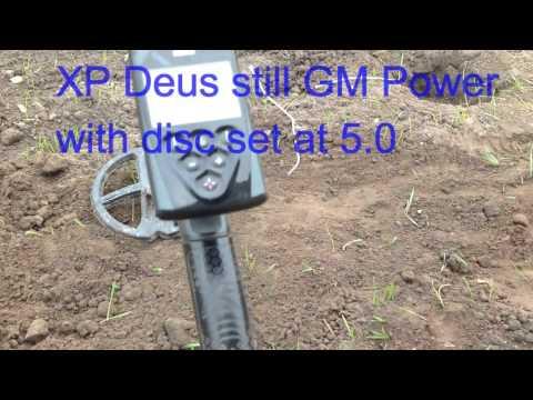 Makro Racer Vs XP Deus Vs AT Gold