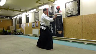 hidari yokomen ushiro tsuki [TUTORIAL] Aikido basic weapon technique /men no bu