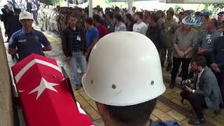 ŞEHİT ÖZEL HAREKAT POLİSİ TOPRAĞA VERİLDİ
