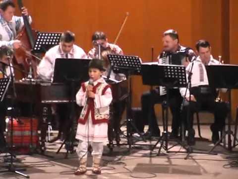 Orchestra MOLDOVA din Roman Costel Băcăuanu Fetele...