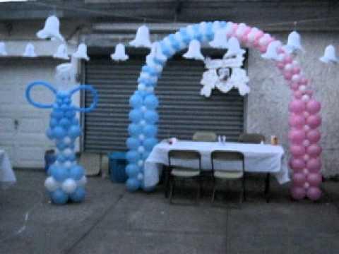 Bautizo con globos en el patio o yarda youtube - Decoracion con bombas para bautizo ...