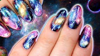 GALAXY NAILS WITH HOLO GLITTER & CHAMELEON CHROME FLAKIES NAIL ART TUTORIAL - Easy Galaxy Nailart