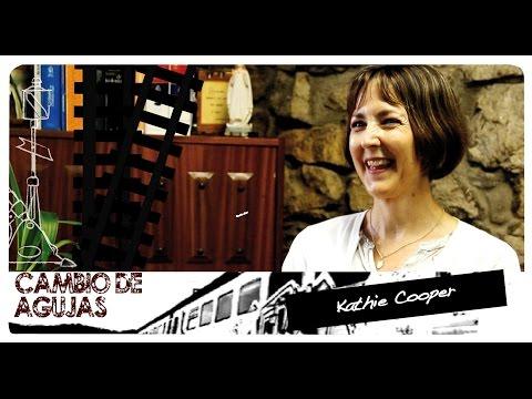 Cambio de agujas: Kathie Cooper